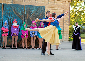 Sidebar Ballet in Park 350x250